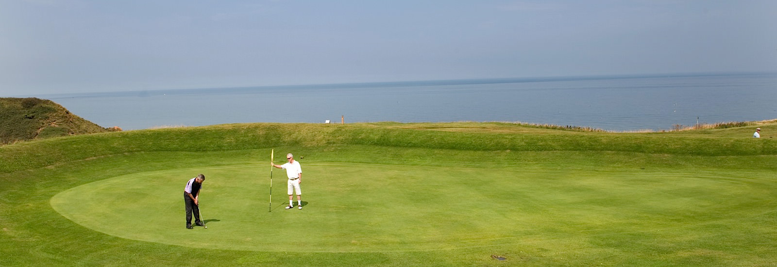 ENjoy a round at Whitby Golf Club