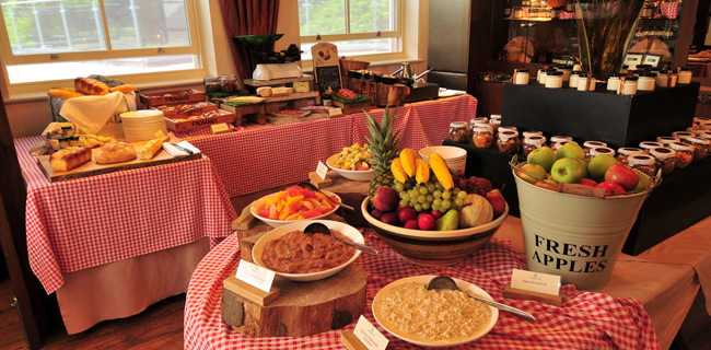 we offer meetings and incentive groups the finest catering options in Whitby